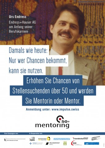 Das Foto zeigt eines der Plakate. Darauf ist Urs Endress von der Endres+Hauser AG am Anfang seiner Berufskarriere zu sehen.