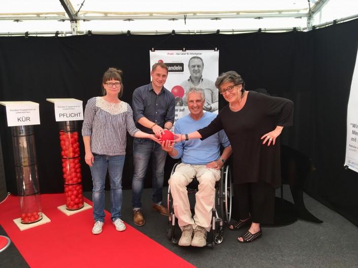 Das Foto zeigt das Impulse-Team am Stand an der Gewerbemesse Visita18 in Buckten/BL.