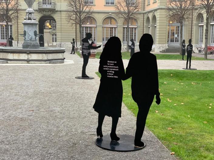 Das Foto zeigt die Silhouetten im Berner GenerationHaus